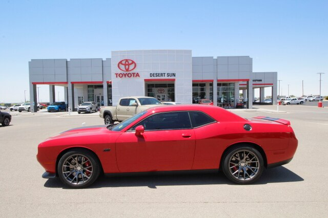 Dodge Barracuda 2015 >> Pre Owned 2015 Dodge Challenger Srt Rwd 2d Coupe