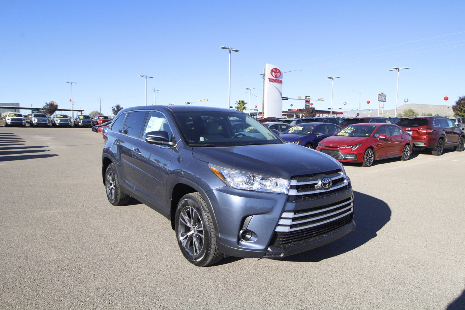 New 2019 Toyota Highlander LE V6 AWD