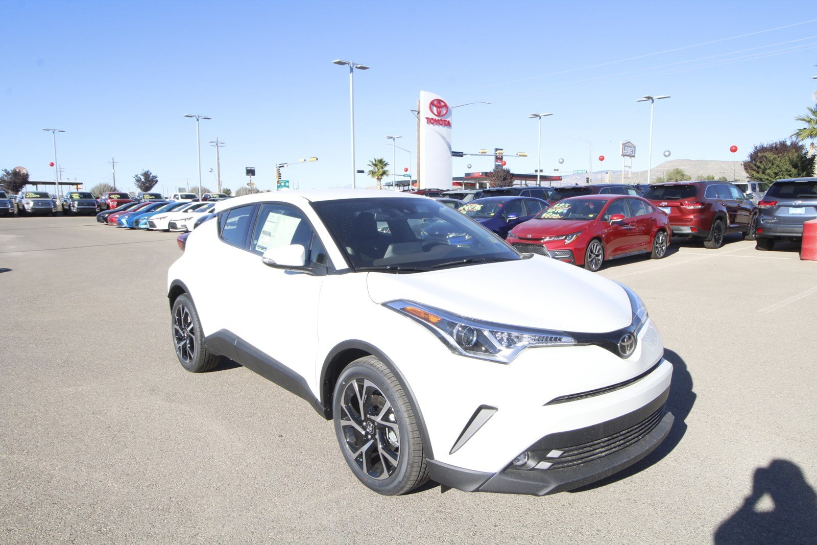 New 2019 Toyota C-HR Limited FWD