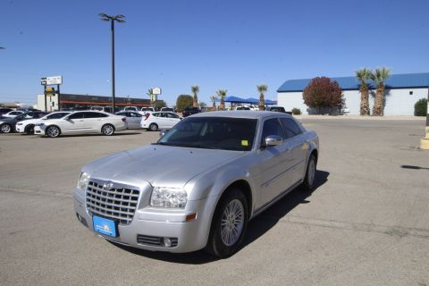 Pre-Owned 2010 Chrysler 300 Touring